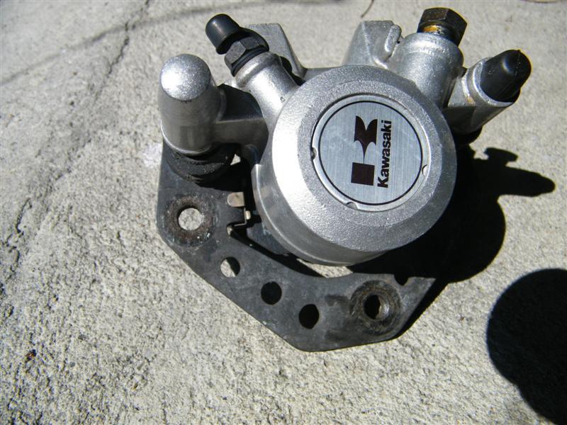 Zacisk hamulcowy lewy Kawasaki Vulcan VN 750
