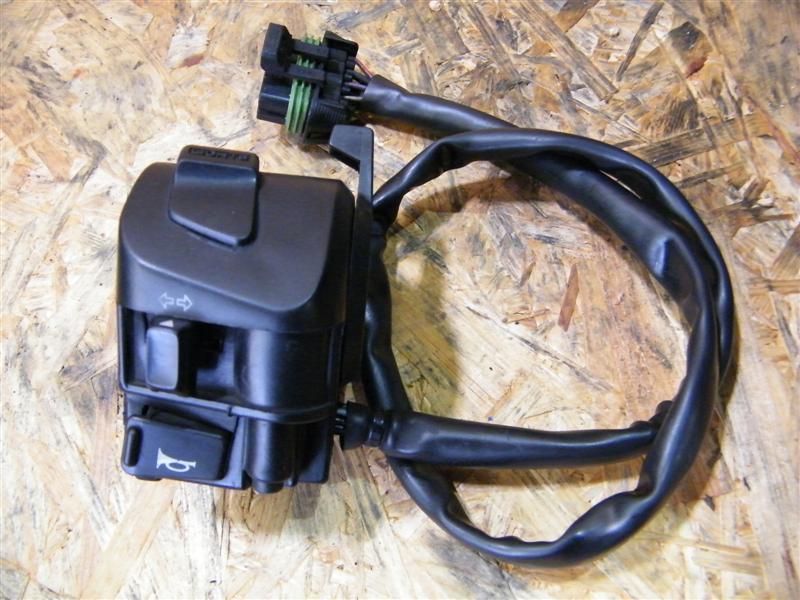 Przełącznik kierunkowskazów Moto Guzzi 750 Nevada